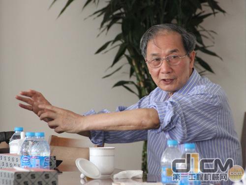 中国工程机械工业协会混凝土机械分会秘书长盛春芳