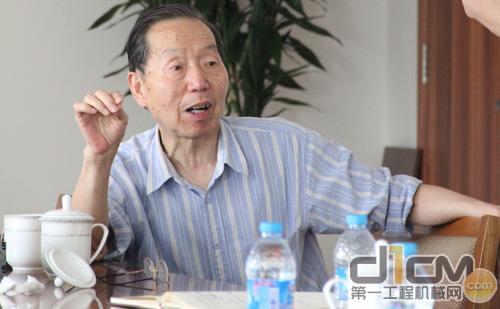 中国工程机械工业协会混凝土机械分会名誉会长陈润余
