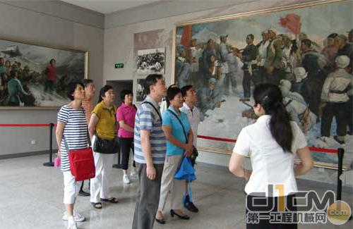 参观刘胡兰烈士纪念馆