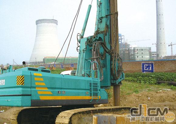 旋挖钻机的双发动机控制电路