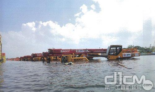 三一吊车图片_【图】三一重工130吨吊车qy130