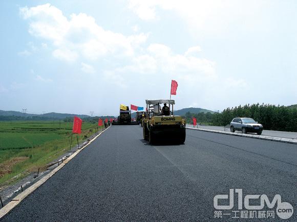 济广高速公路水泥稳定碎石基层施工