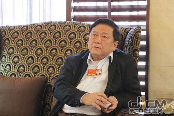 柳工集团董事长王晓华致2012新年贺词