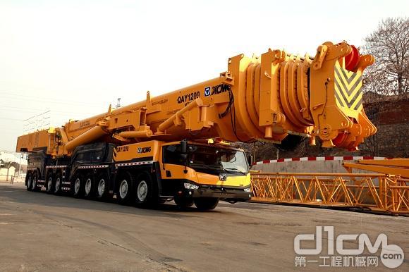 徐工重型1200吨全地面起重机测试实验成功