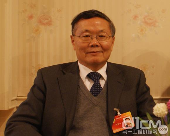 何清华:山河智能董事长、民盟湖南省副主委