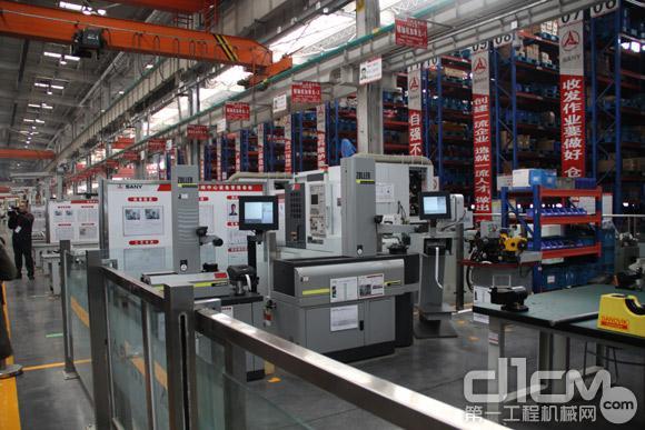 液压升降平台工程机械行业一周扫描 行业春天或可期(图)