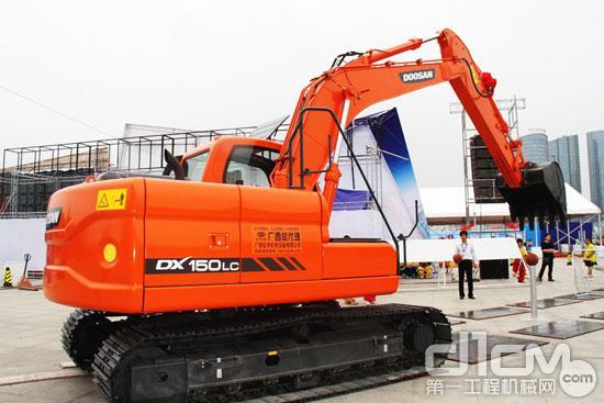 斗山dx150lc系列液压挖掘机南宁上市图片