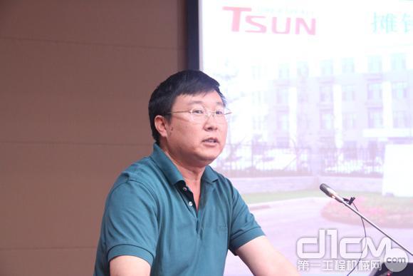 天顺长城杨安:摊铺机升级再造解决方案