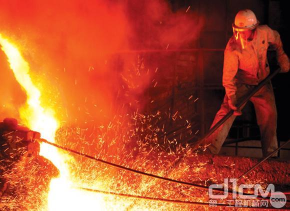 玉柴迷你液液压油缸河北首次应用高钛渣冶炼工况