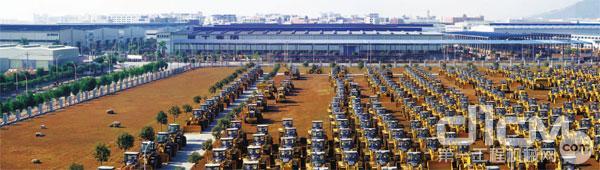 生产建设迅速发展,为国民经济提供了一大批重要装备