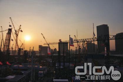 国际经济技术合作蓬勃发展,进出口贸易高速增长