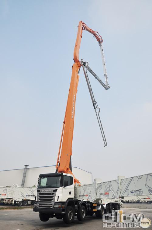 中联重科80米碳纤维泵车实现小批量生产