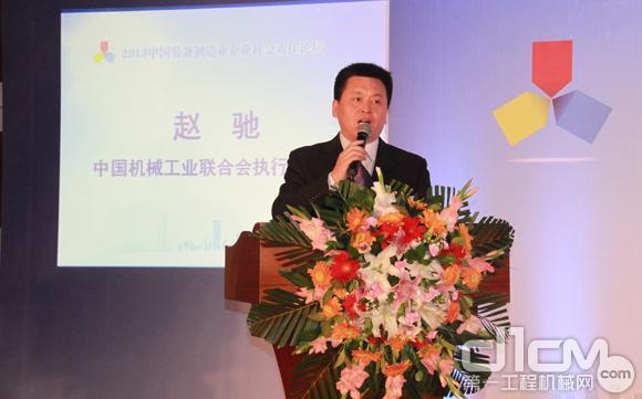 北京卓众出版有限公司副总经理、机电商报社总编辑――杜海涛,主持了论坛