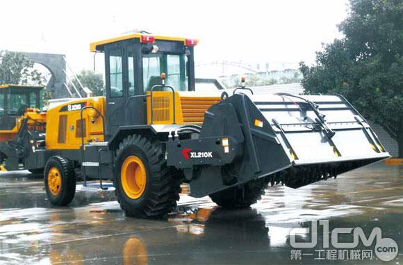 徐工XL210KⅢ型稳定土拌和机
