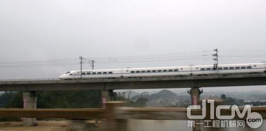 """广西沿海高铁今日""""彩排"""" 模拟载人试运行"""