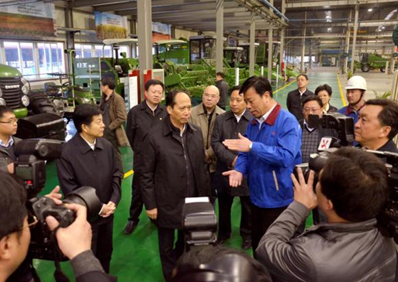 吉炳轩听取奇瑞重工关于农业生产全程机械化整体解决方案的汇报