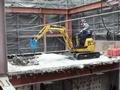 小松pc10挖掘机拆楼作业