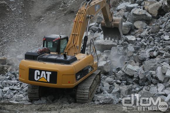 于振芳的创业史及Cat®(卡特)336D挖掘机测试报告