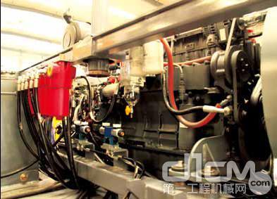 天顺长城SP120-2摊铺机原装进口柴油机