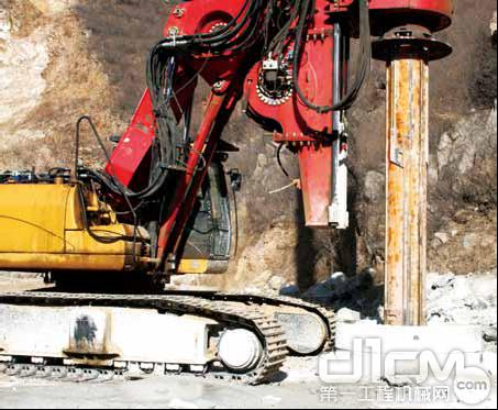 三一SR280R型旋挖钻机