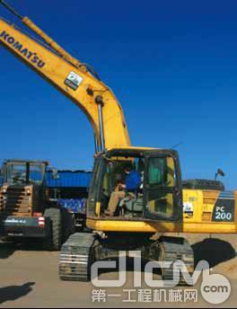 小松PC200-8型挖掘机