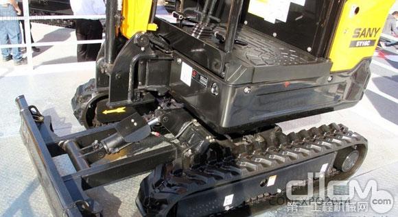 三一SY16C微型挖掘机,底盘及推土板特写-CONEXPO 2014 三一两款图片