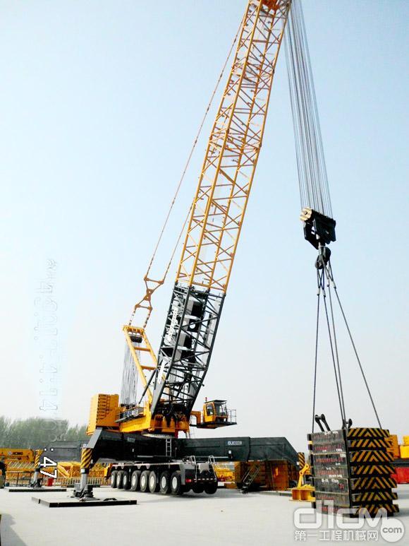中国 轮式/徐工XCL800轮式桁架臂起重机获中国工程机械年度产品TOP50(...