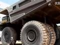 最大卡车小松930E视频
