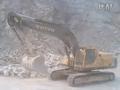 VOLVO挖掘机惊险作业视频