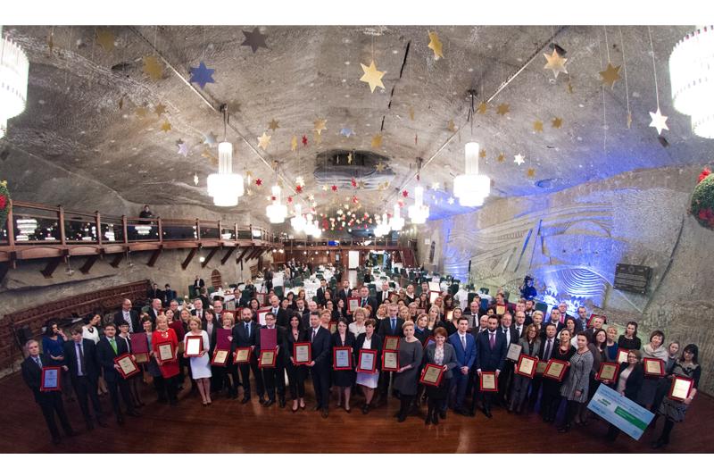 柳工锐斯塔公司荣获波兰2014年度最佳雇用主奖品项