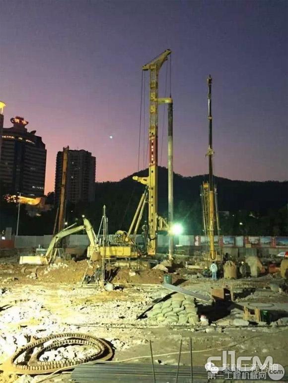 TR550在深圳蛇口太子广场施工