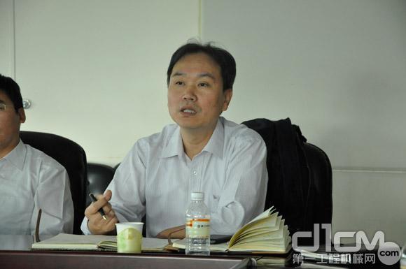 中国工程机械工业协会副秘书长王金鑫先生