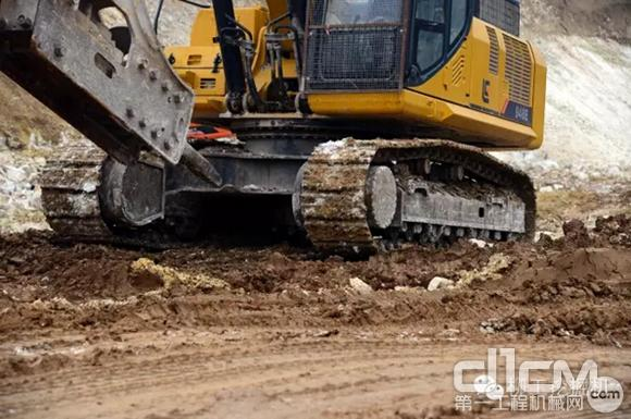 开山凿路 柳工挖掘机助力五凤口高架观音山隧道工程