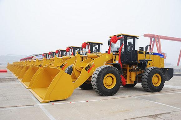 潍坊森达美港与卡特彼勒(青州)首批20台装载机交机