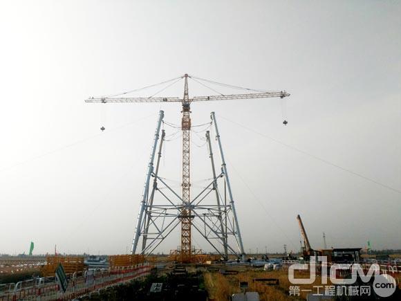 徐工XGT2T120塔机助力国家电网项目