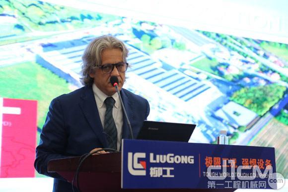 柳工车载式高空作业车战略合作方-意大利ISOLI代表发言