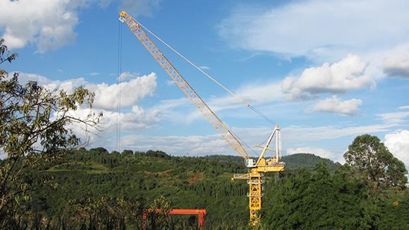 一台xgt2t120徐工塔机双平臂电力抱杆高展双臂
