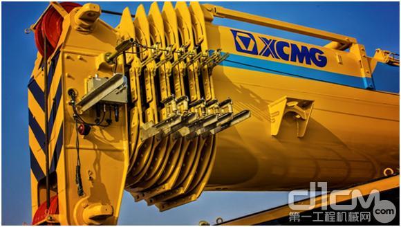 "G一代""旷世之作""XCA100E全地面起重机"