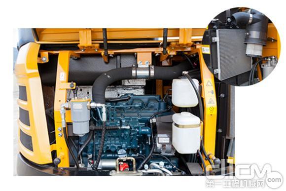 三一SY50U采用大面积覆盖件开启方式,日常维护方便