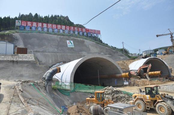 三一隧道施工利器:大象湿喷机济南二环路施工纪实