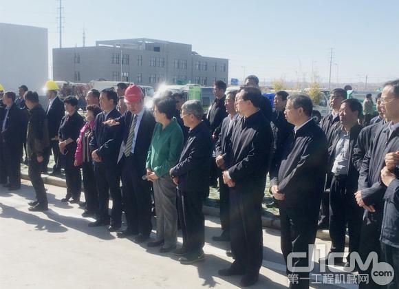 代表团走进中联重科银川滨江新区制造基地