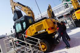 三一SY155W挖掘机