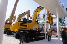 三一SY365H挖掘机