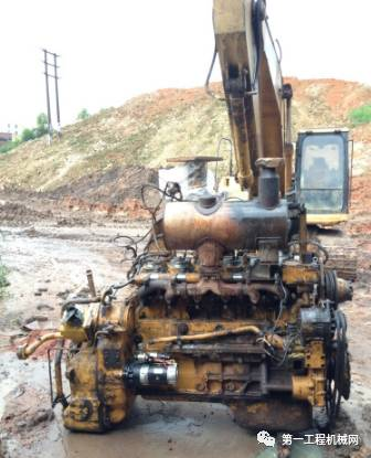 挖掘机发动机故障