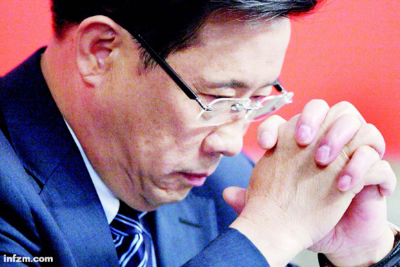 五年前,创造业出产身的叁壹重工董事长梁固定根曾经是中国首富。(视觉中国/图)
