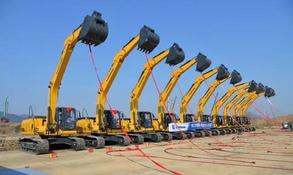 安徽大客户一次性采购10台柳工922e挖掘机