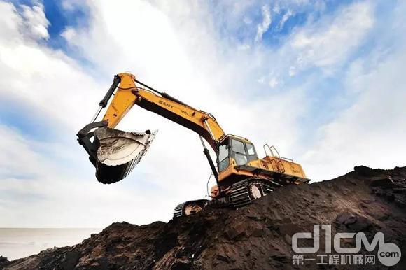 玉柴重工又一批次yc135d电动液压挖掘机顺利发运图片