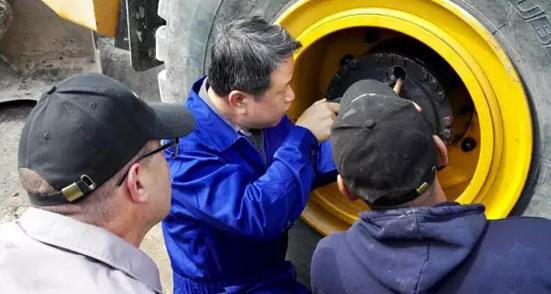 柳工机械:精准排除故障 客户高度评价