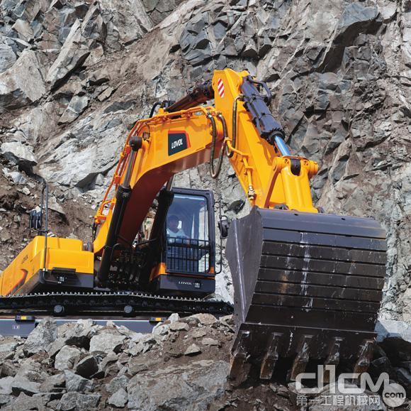 矿山中的钢铁侠 雷沃FR480E矿用挖掘机导购