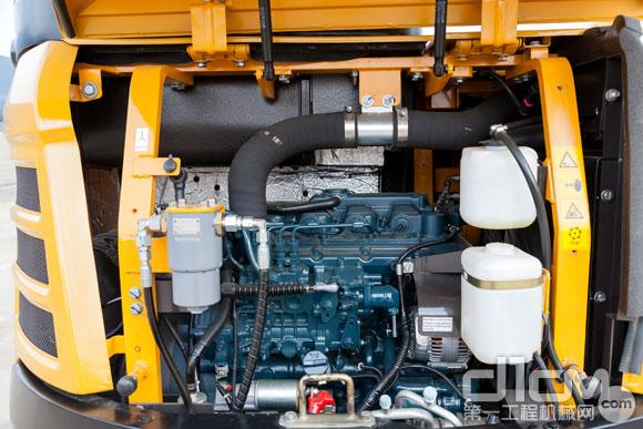 三一SY50U无尾小挖发动机舱室